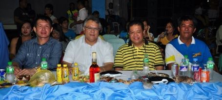 POSTERITY PHOTO. Former 5th District Rep. Mark O. Cojuangco  (2nd from left) poses in a photo with  (left to right)  San Quintin Mayor Clark Cecil Tiu, Police Sr. Supt.  Marlou Aquino and San Quintin Liga ng Barangay President Ruel Ferreria during the Barangay Night of San Quintin Town Fiesta last  May 16.