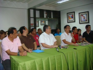 M&M for 2016.The 31 year-old two-term Calasiao Mayor Mark Roy Macanla- lay  (4th from right) acknowledges the reiteration of support of former  Congressman Mark Cojuangco (3rd from left) who was exhilarated that the young hizzoner finally accepted his offer to be his vice governor in the  2016 gubernatorial race. The duo's press conference was held at the commercial building of the Macanlalays in Brgy. Bued, Calasiao last August 21.  MORTZ. ORTIGOZA