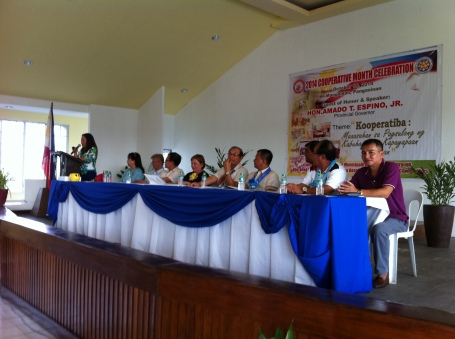 COOPERATIVE MONTH. Two days before she departed to the US, Mangaldan Mayor Bonafe de Vera –  Parayno (5th from left) graces the 2014 Cooperative Month Celebration. Guest of honor was Pangasinan Governor Amado T. Espino who was represented by the district's Board Member Liberato Villegas (4th from right).MORTZ C. ORTIGOZA