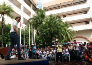 CHIZ WITH STUDENTS. Senator Francis Escudero reacts to a question during a student forum at the Colegio de Dagupan last September 10 during his visit in the Dagupan City.CESAR RAMIREZ
