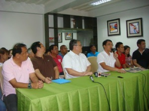 M&M for 2016: In this file photo the 29 year-old two-term Calasiao Mayor Mark Roy Macanla- lay  (4th from right) acknowledges the reiteration of support from former  Congressman Mark Cojuangco (3rd from left) who was exhilarated that the young hizzoner finally accepted his offer to be his vice governor tandem in the 2016 gubernatorial race where he will be throwing his hat. The duo's press conference was held at the commercial building of the Macanlalays in Brgy. Bued, Calasiao in August 21, 2014.  MORTZ. ORTIGOZA
