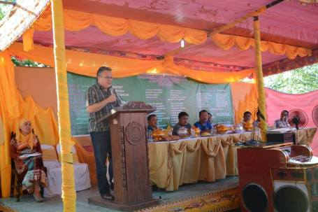 The president of the Urdaneta City Muslim Association, Inc., Hadji Faisal Sharief, invited Mark Cojuangco at a meetup during the birthday celebration of MECO Chairman Amadito Perez, Jr. to grace the induction into office of their newly elected officers to be held at barangay Camantiles on November 15, 2015